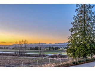 """Photo 25: 105 16380 64 Avenue in Surrey: Cloverdale BC Condo for sale in """"The Ridgse and Bose Farms"""" (Cloverdale)  : MLS®# R2556734"""