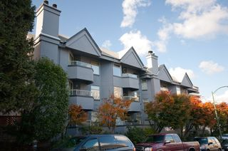 """Main Photo: 105 925 W 10TH Avenue in Vancouver: Fairview VW Condo for sale in """"LAUREL PLACE"""" (Vancouver West)  : MLS®# V857038"""