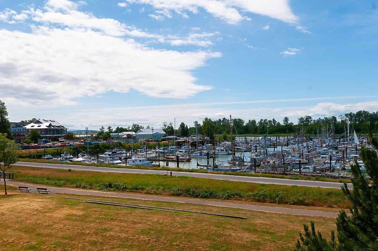 "Main Photo: 323 5700 ANDREWS Road in Richmond: Steveston South Condo for sale in ""RIVER'S REACH"" : MLS®# R2411844"