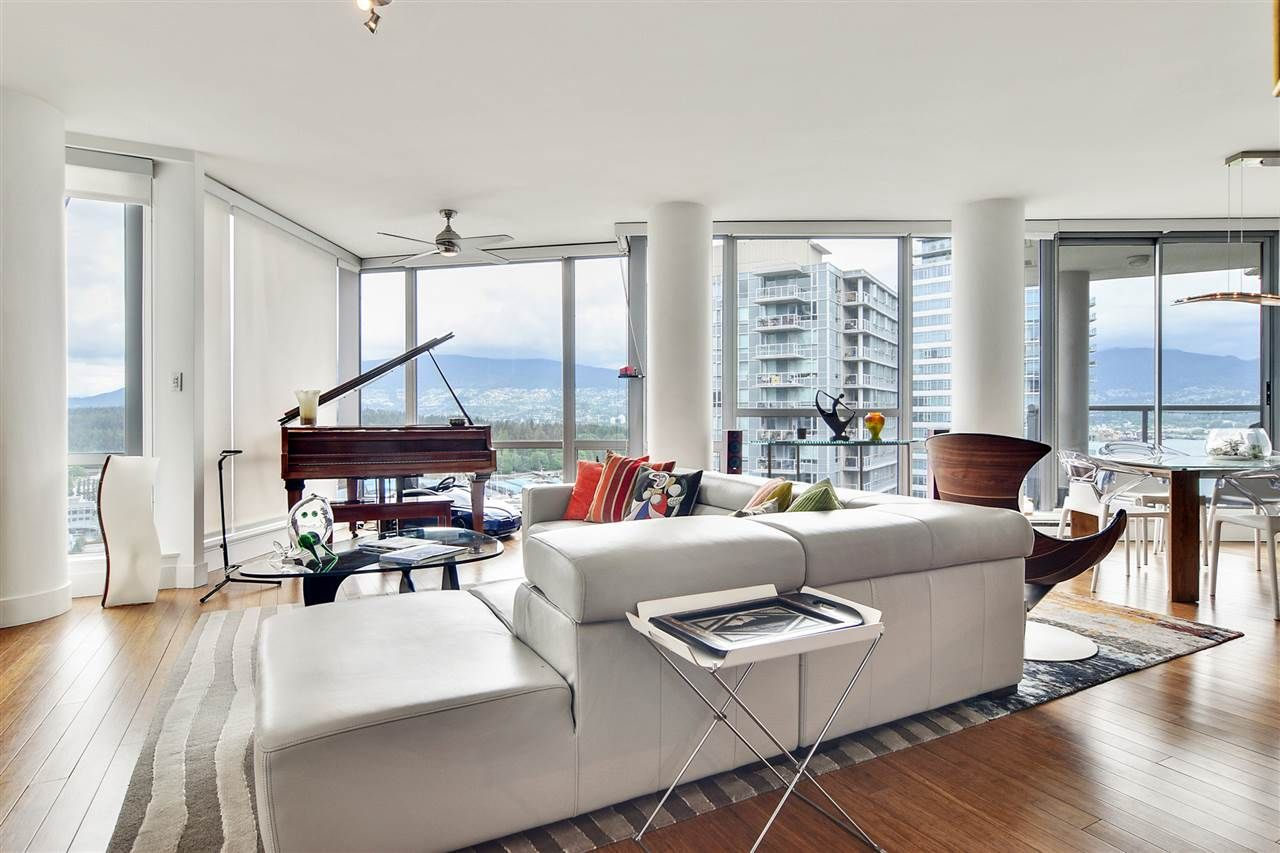 "Main Photo: 2202 1228 W HASTINGS Street in Vancouver: Coal Harbour Condo for sale in ""Palladio"" (Vancouver West)  : MLS®# R2485869"