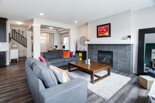 Photo 3: 224 Crestmont Drive SW in Calgary: Crestmont Detached for sale : MLS®# A1118392