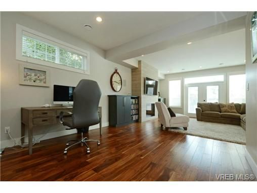 Photo 6: Photos: 1001 Arngask Ave in VICTORIA: La Bear Mountain House for sale (Langford)  : MLS®# 728828