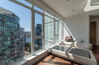 """Photo 6: 3107 1372 SEYMOUR Street in Vancouver: Downtown VW Condo for sale in """"THE MARK"""" (Vancouver West)  : MLS®# R2481345"""
