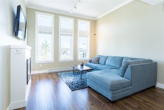 """Photo 7: 309 5665 177B Street in Surrey: Cloverdale BC Condo for sale in """"Lingo"""" (Cloverdale)  : MLS®# R2248564"""