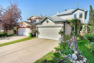 Photo 2: 131 Bridlewood Circle SW in Calgary: Bridlewood Detached for sale : MLS®# A1126092