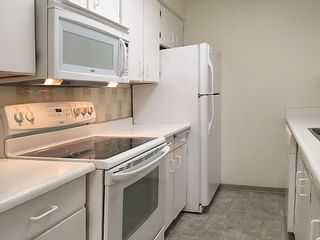 """Photo 11: 905 615 BELMONT Street in New Westminster: Uptown NW Condo for sale in """"BELMONT TOWERS"""" : MLS®# R2200623"""