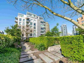 """Photo 17: 409 1133 HOMER Street in Vancouver: Yaletown Condo for sale in """"H&H"""" (Vancouver West)  : MLS®# R2582062"""