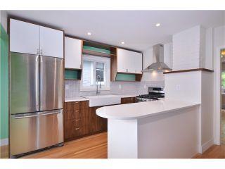 Photo 4: 2552 WILLIAM Street in Vancouver: Renfrew VE House for sale (Vancouver East)  : MLS®# V1015127