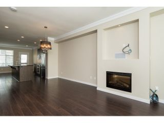 Photo 5: 66 3009 156 STREET in Surrey: Grandview Surrey Townhouse for sale (South Surrey White Rock)  : MLS®# R2056660