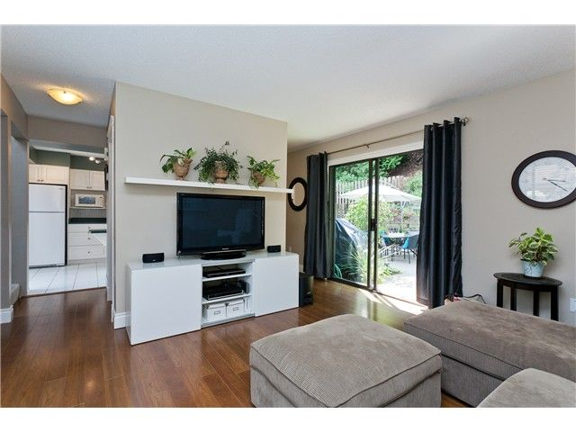 "Photo 5: Photos: 411 CARDIFF Way in Port Moody: College Park PM Townhouse for sale in ""EAST HILL"" : MLS®# V1021161"