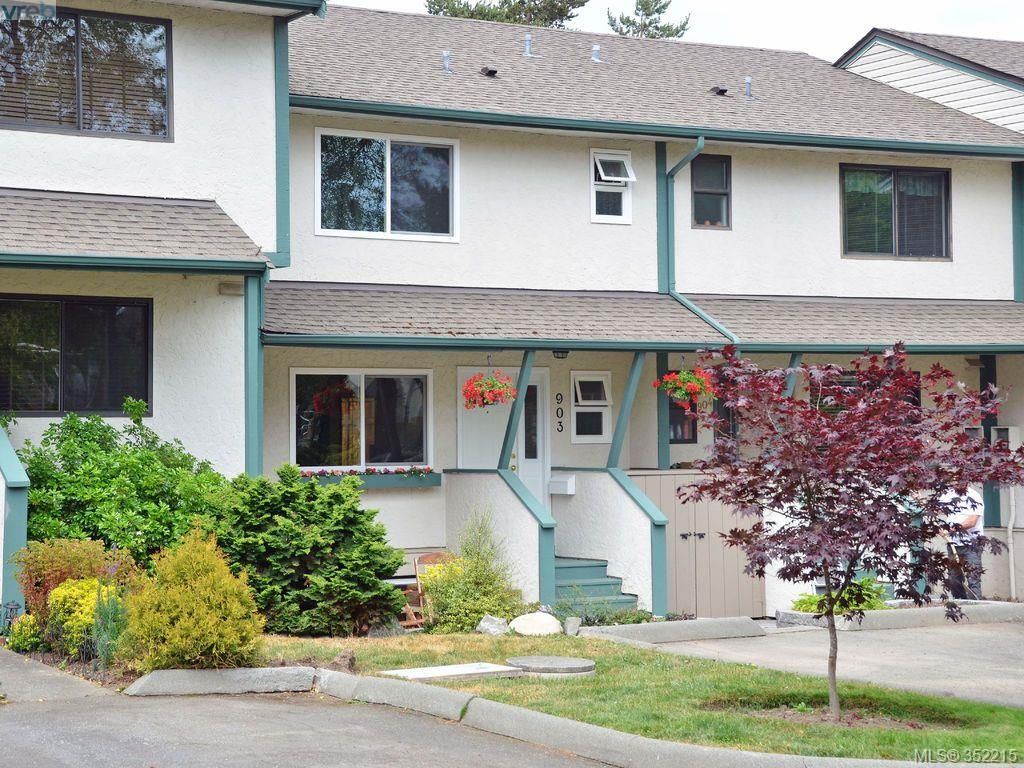 Main Photo: 903 640 Broadway St in VICTORIA: SW Glanford Row/Townhouse for sale (Saanich West)  : MLS®# 704039