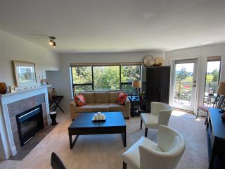 """Photo 4: 403 5855 COWRIE Street in Sechelt: Sechelt District Condo for sale in """"THE OSPREY"""" (Sunshine Coast)  : MLS®# R2581571"""