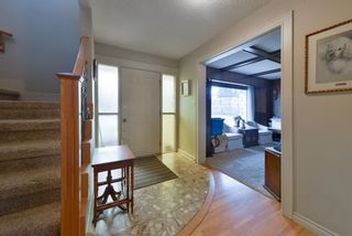 Photo 5: 6811 Lawrence Court SW in Calgary: Lakeview Detached for sale : MLS®# A1096678