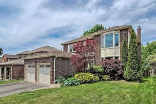 Photo 2: 8 Butterfield Crescent in Whitby: Pringle Creek House (2-Storey) for sale : MLS®# E5259277