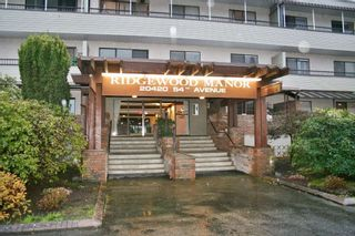 """Photo 2: 105 20420 54 Avenue in Langley: Langley City Condo for sale in """"RIDGEWOOD MANOR"""" : MLS®# R2044420"""