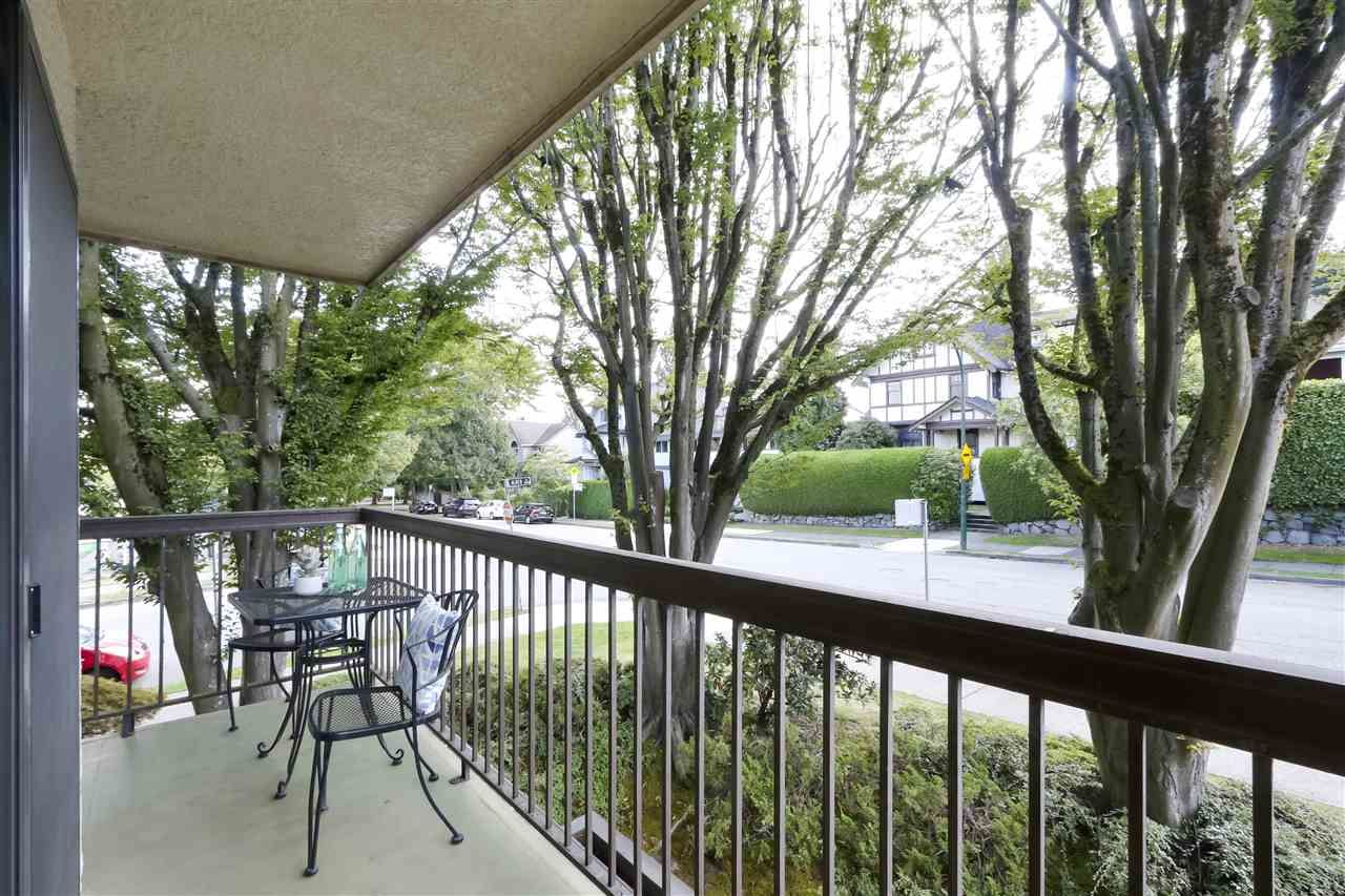 Photo 10: Photos: 215 1235 W 15TH AVENUE in Vancouver: Fairview VW Condo for sale (Vancouver West)  : MLS®# R2404476