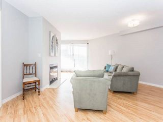"""Photo 2: 3209 33 CHESTERFIELD Place in North Vancouver: Lower Lonsdale Condo for sale in """"HARBOURVIEW PARK"""" : MLS®# R2008580"""
