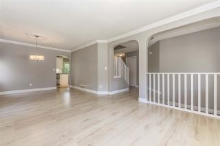 Photo 3: 511 COTTONWOOD Avenue: Harrison Hot Springs House for sale : MLS®# R2353509