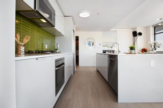 """Photo 10: 2505 108 W CORDOVA Street in Vancouver: Downtown VW Condo for sale in """"Woodwards"""" (Vancouver West)  : MLS®# R2609686"""