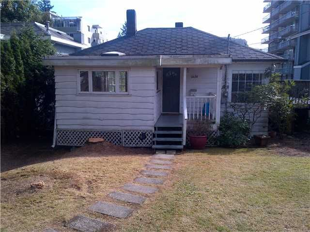 Main Photo: 1450 FULTON AVE in West Vancouver: Ambleside House for sale : MLS®# V911135