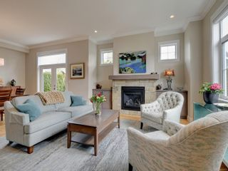 Photo 4: 2051B Seawind Way in Sidney: Si Sidney North-East Half Duplex for sale : MLS®# 874117
