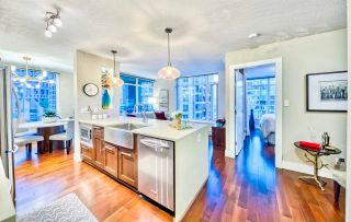 """Photo 1: 906 888 HOMER Street in Vancouver: Downtown VW Condo for sale in """"THE BEASLEY"""" (Vancouver West)  : MLS®# R2603856"""