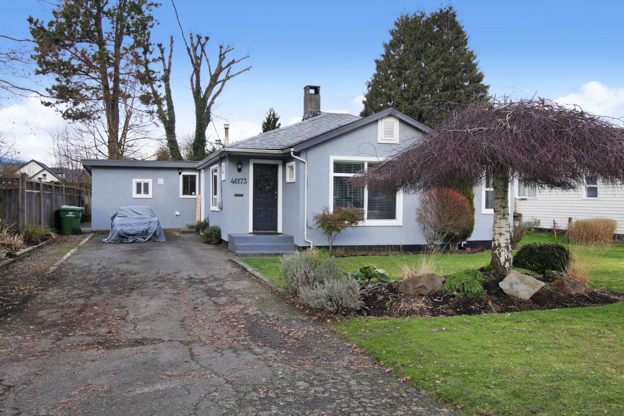 Main Photo: 46173 LEWIS Avenue in Chilliwack: Chilliwack N Yale-Well House for sale : MLS®# R2531091