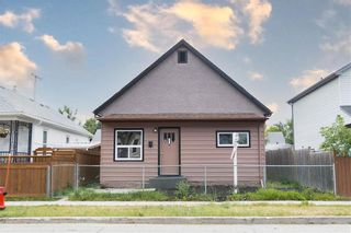 Photo 2: 926 Burrows Avenue in Winnipeg: North End Residential for sale (4B)  : MLS®# 202120119