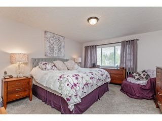 """Photo 18: 147 4001 OLD CLAYBURN Road in Abbotsford: Abbotsford East Townhouse for sale in """"CEDAR SPRINGS"""" : MLS®# R2555932"""