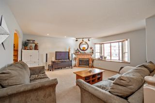 """Photo 2: 8177 DOROTHEA Court in Mission: Mission BC House for sale in """"Cherry Ridge/Hillside"""" : MLS®# R2338141"""