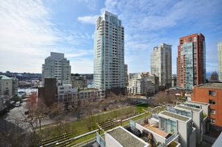 """Photo 11: # 704 1455 HOWE ST in Vancouver: Yaletown Condo for sale in """"POMARIA"""" (Vancouver West)  : MLS®# V1010474"""