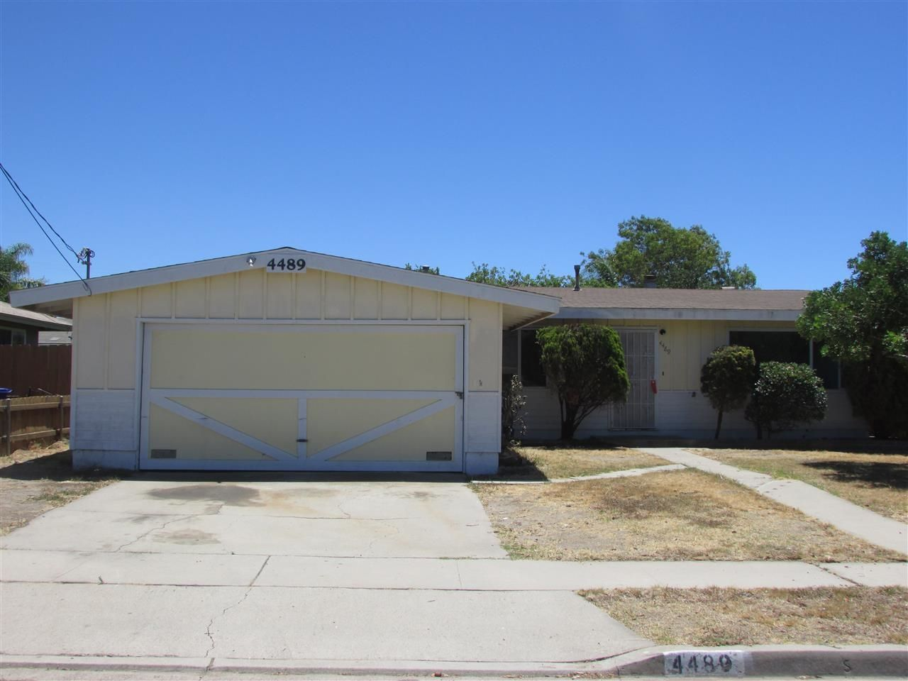 Main Photo: CLAIREMONT House for sale : 3 bedrooms : 4489 Bertha in San Diego