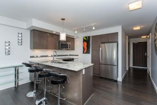"Photo 2: 505 14955 VICTORIA Avenue: White Rock Condo for sale in ""The Sausalito"" (South Surrey White Rock)  : MLS®# R2061872"
