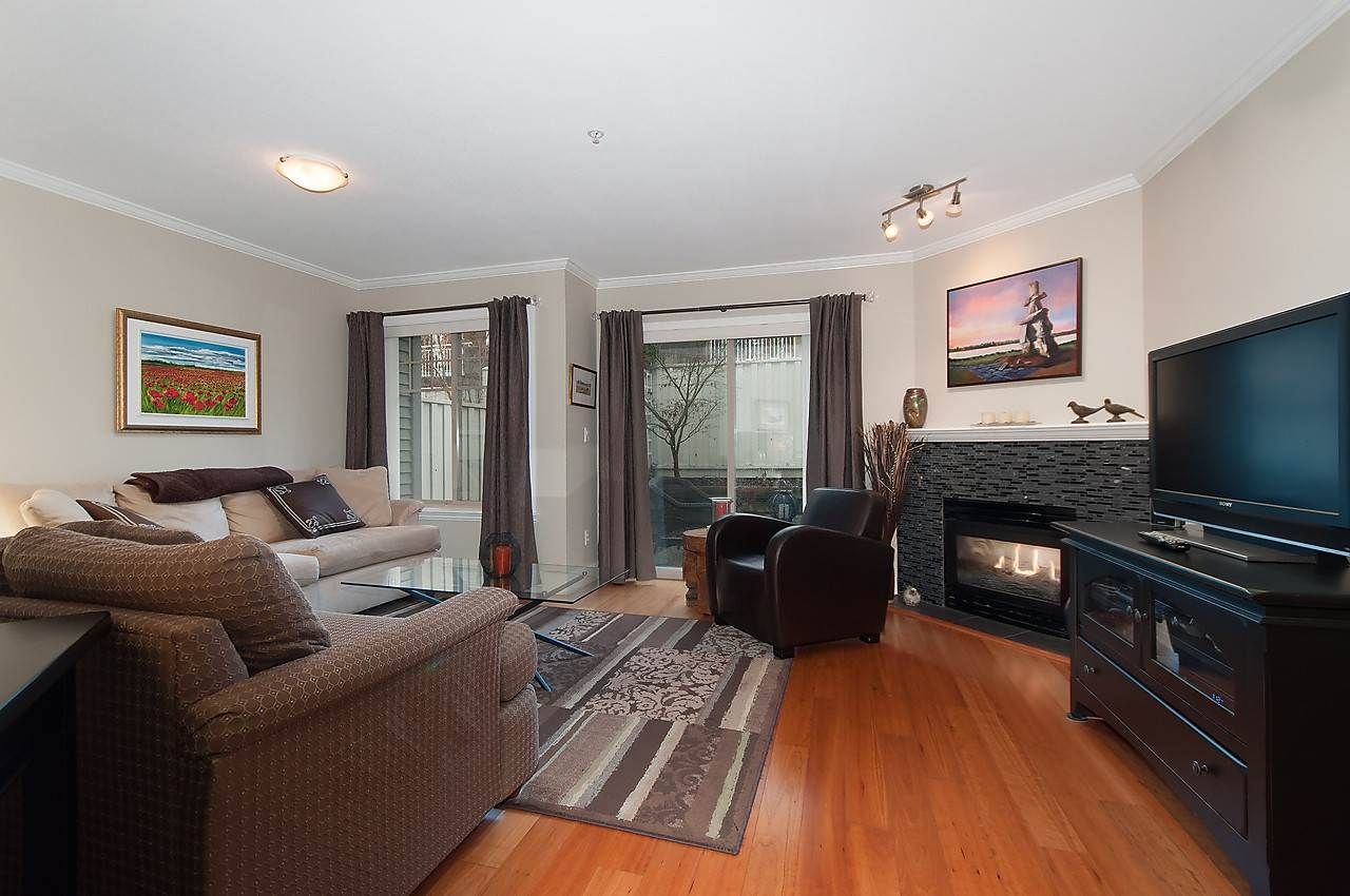 """Main Photo: 13 222 E 5TH Street in North Vancouver: Lower Lonsdale Townhouse for sale in """"BURHAM COURT"""" : MLS®# R2041998"""