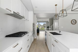 """Photo 11: 50 2825 159 Street in Surrey: Grandview Surrey Townhouse for sale in """"Greenway"""" (South Surrey White Rock)  : MLS®# R2470325"""