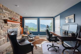 """Photo 14: 8492 HUCKLEBERRY Place in Chilliwack: Chilliwack Mountain House for sale in """"CHILLIWACK MOUNTAIN"""" : MLS®# R2476949"""