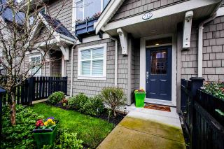 """Photo 4: 712 ORWELL Street in North Vancouver: Lynnmour Townhouse for sale in """"Wedgewood"""" : MLS®# R2037751"""