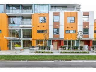 """Main Photo: T17 13318 104 Avenue in Surrey: Whalley Townhouse for sale in """"LINEA"""" (North Surrey)  : MLS®# R2611067"""