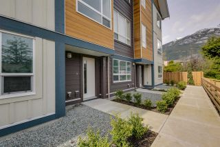"""Photo 2: 43 1188 WILSON Crescent in Squamish: Dentville Townhouse for sale in """"The Current"""" : MLS®# R2259461"""