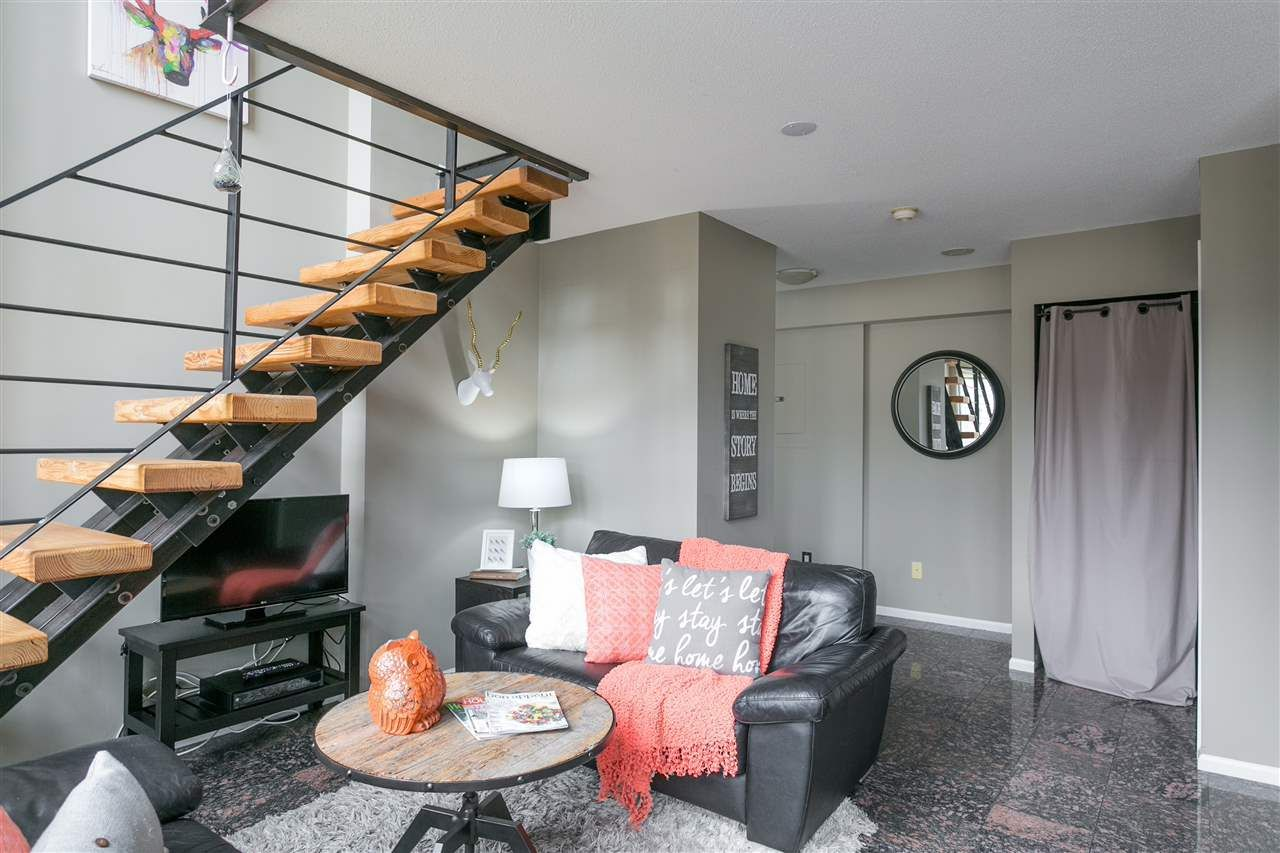 """Main Photo: 806 1238 RICHARDS Street in Vancouver: Yaletown Condo for sale in """"Metropolis"""" (Vancouver West)  : MLS®# R2151937"""