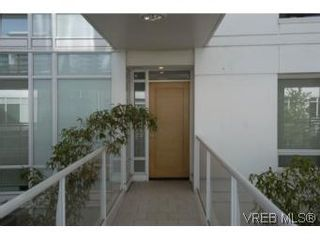 Photo 16: 212 68 Songhees Rd in VICTORIA: VW Songhees Condo for sale (Victoria West)  : MLS®# 499543