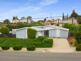 Photo 2: SAN CARLOS House for sale : 3 bedrooms : 7013 Coleshill Dr. in San Diego