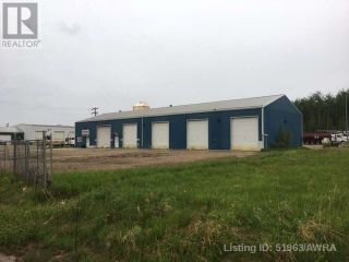 Photo 1: 308 2 AVE in Fox Creek: Industrial for sale : MLS®# AWI51963