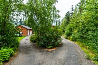 """Photo 3: 1477 NORTH NECHAKO Road in Prince George: Edgewood Terrace House for sale in """"Edgewood Terrace"""" (PG City North (Zone 73))  : MLS®# R2608294"""