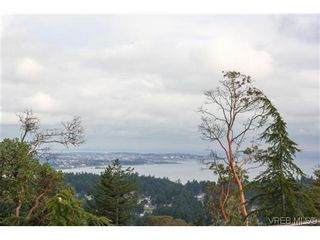 Photo 2: 808 Bexhill Pl in VICTORIA: Co Triangle House for sale (Colwood)  : MLS®# 628092