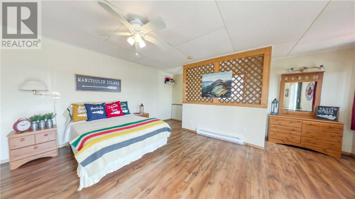 Main Photo: 35 Given Road in South Bay Mouth: House for sale : MLS®# 2095477