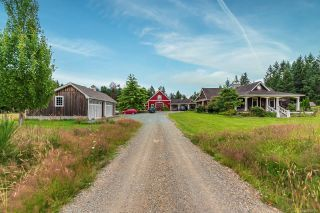 Photo 1: 3375 Piercy Rd in : CV Courtenay West House for sale (Comox Valley)  : MLS®# 850266