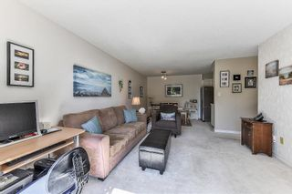 """Photo 7: 115 1442 BLACKWOOD Street: White Rock Condo for sale in """"Blackwood Manor"""" (South Surrey White Rock)  : MLS®# R2433629"""