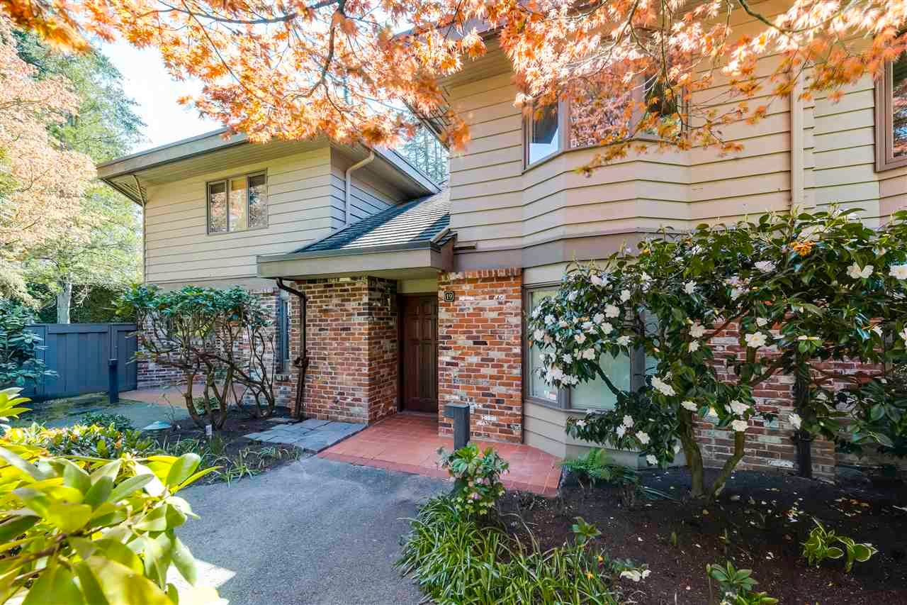 """Main Photo: 19 4900 CARTIER Street in Vancouver: Shaughnessy Townhouse for sale in """"Shaughnessy Place II"""" (Vancouver West)  : MLS®# R2570164"""