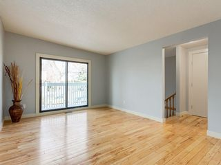 Photo 5: 25 Silverdale PL NW in Calgary: Silver Springs House for sale : MLS®# C4290404